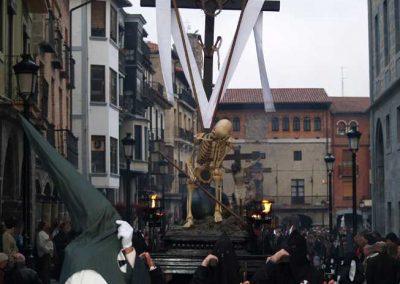 2007 / Viernes Santo - Procesión del Santo Entierro y Lignum Crucis