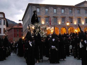 Viernes Santo - Santo Entierro y Lignum Crucis